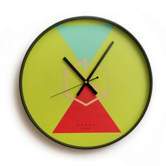 hugo wall clock large